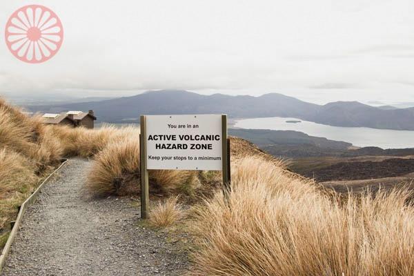 Tongariro Alpine Crossing trekking, National Park, next to Whakapapa New Zealand