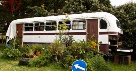 bus sitting, bethells beach, auckland, vida cigana