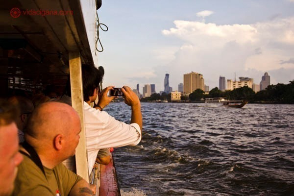 diferenças dos Aeroportos de bangkok na tailândia