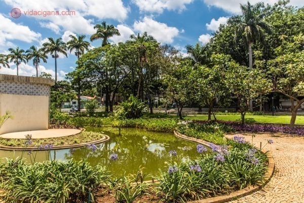 Os jardins da Casa do Baile, em Belo Horizonte, projetados por Burle Marx.