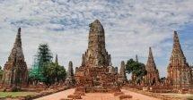 Wat Chai Wattanaram pelo lado que dá para o rio Chao Phraya, um dos muitos templos de Ayutthaya na Tailândia.