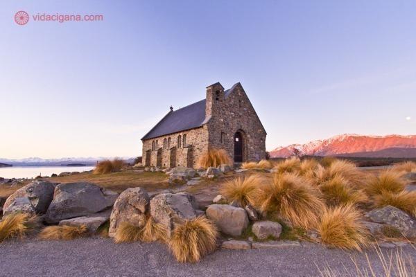 os principais pontos turísticos da nova zelândia: a famosa igrejinha à margem do lago tekapo