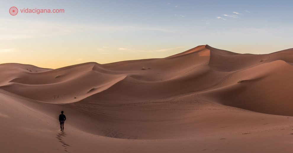 A noite no Saara: Como dormir nas tendas do Deserto no Marrocos: O nascer do sol no deserto