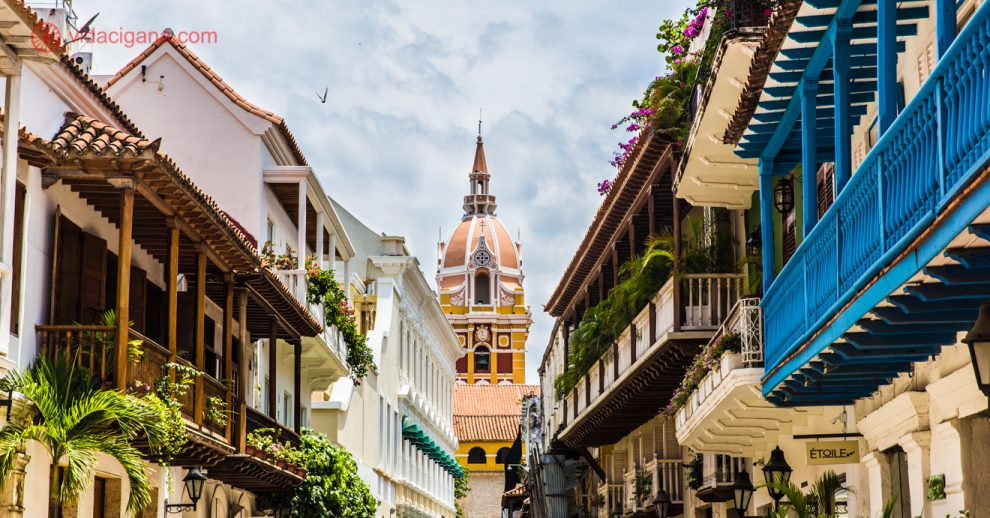 O que fazer em Cartagena das Índias, na Colômbia: As charmosas ruas da cidade colombiana.