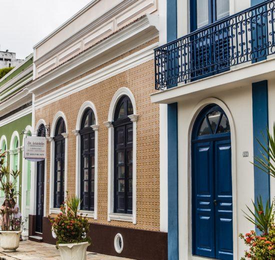Onde ficar em Manaus: O casario antigo da Praça de São Sebastião