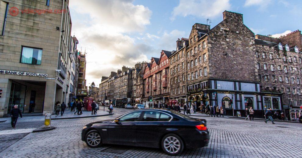 Como alugar um carro em Edimburgo: passear pelas ruas de Edimburgo