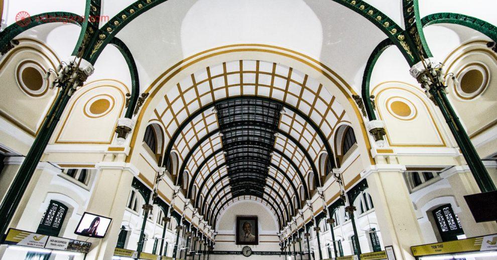 Onde ficar em Ho Chi Minh: próximo do Correio da cidade, projetada por Eiffel. o mesmo da torre parisiense