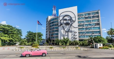 Qual é a melhor época do ano para viajar para Cuba? A Praça da Revolução, em Havana