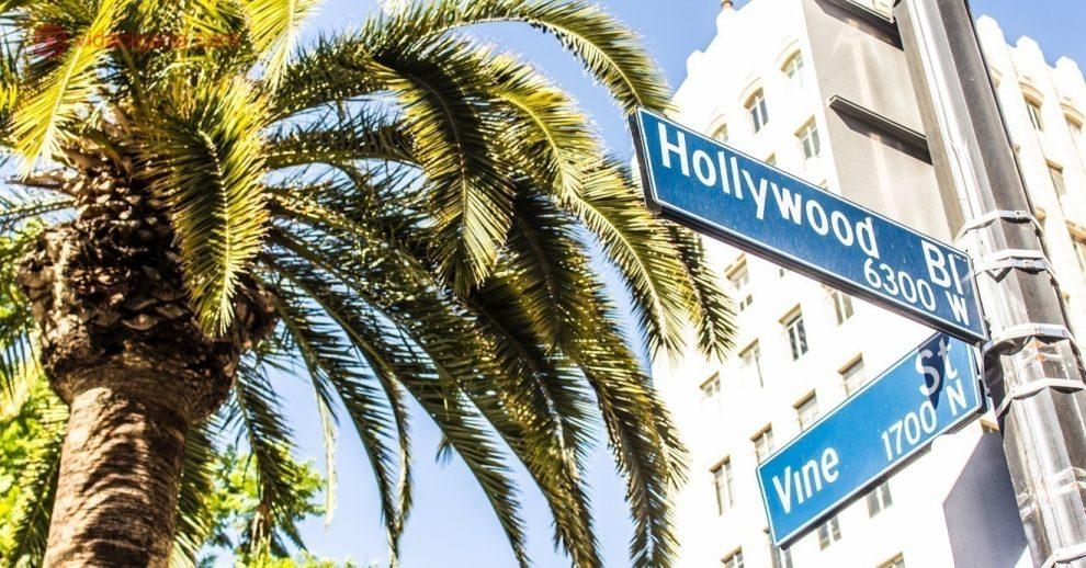 Pontos turísticos de Los Angeles: a esquina das ruas Hollywood Boulevard e Vine Street, onde fica a calçada da fama