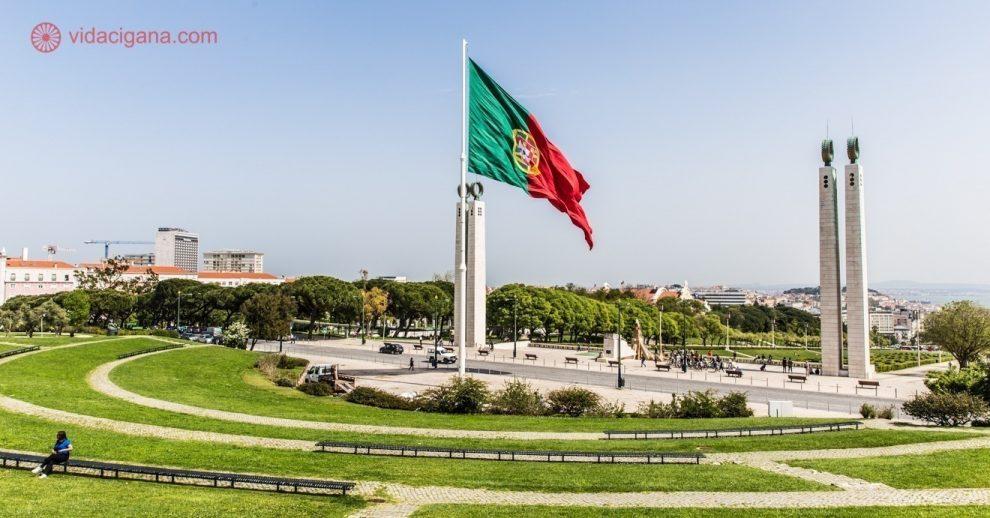 Roteiro em Lisboa: Visite o lindo Parque Eduardo VII, perto da estação de metrô Marquês de Pombal