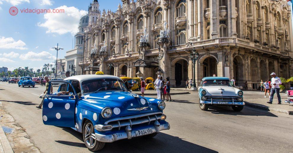 Visto para Cuba: As ruas de Havana com seus carros antigos