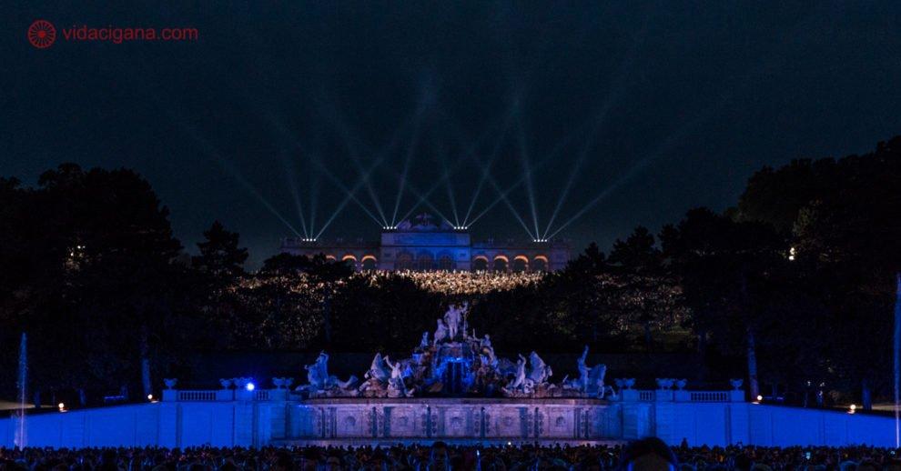 O que fazer em Viena: O palácio schönbrunn a noite durante o festival de música clássica