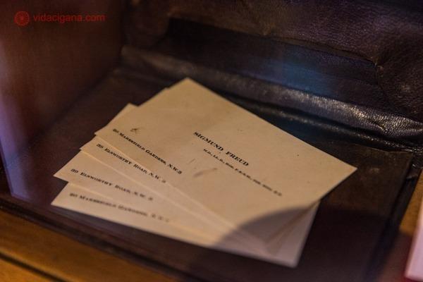 os cartões de visita de freud no sigmund freud museum