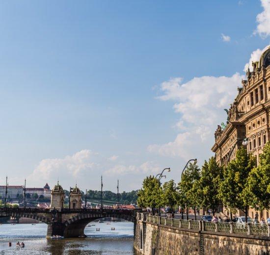 o que fazer em praga: vista do rio moldova