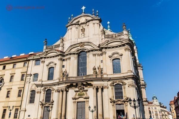A fachada da Igreja de São Nicolau