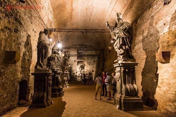 As estátuas originais da Ponte Carlos no Castelo de Vysehrad