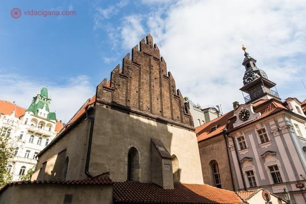 Sinagoga Velha-Nova vista de fora