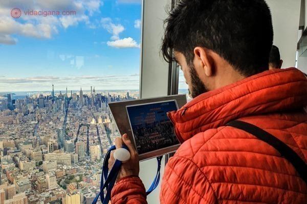 Memorial 11 de setembro, em Nova York: o tablet com as explicações