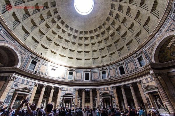 o interior do Panteão