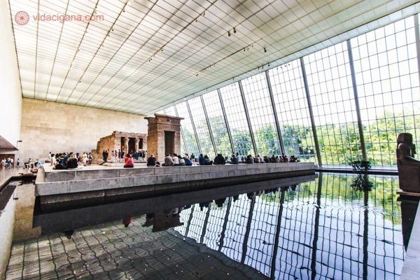 A galeria egípcia do Metropolitan Museum, com um templo egípcio inteiro