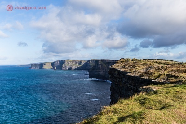 Cliffs of Moher visto do lado menos visitado