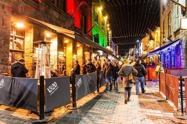 O que fazer em Galway: a Quay Street durante um sábado
