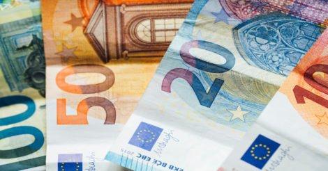 Enviar dinheiro para o exterior: o detalhe de várias notas de euro