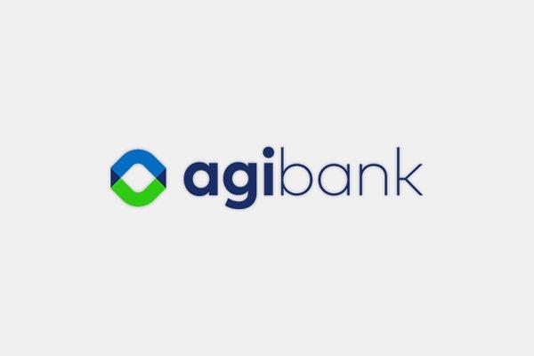O logo do Agibank azul e verde num fundo branco