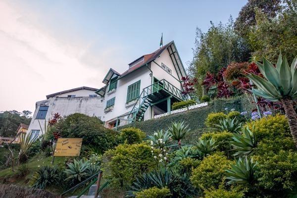 A Casa de Santos Dumont vista de baixo para cima