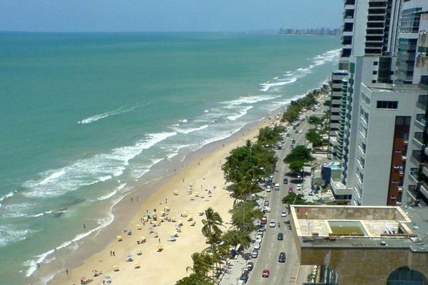 a praia de boa viagem vista do alto