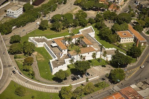 O Forte da Cinco Pontas, que na verdade tem 4, visto de cima