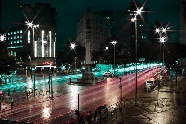 O trânsito em Belo Horizonte de noite