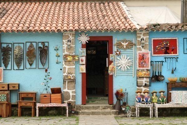 Uma lojinha de artesanato no Caborê