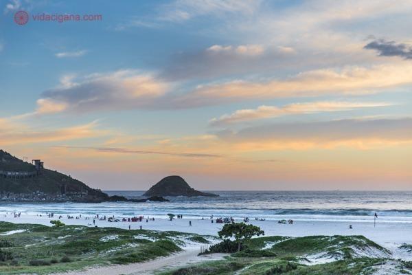 A Praia Grande durante o pôr do sol