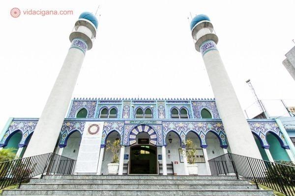 A fachada da Mesquita de Curitiba