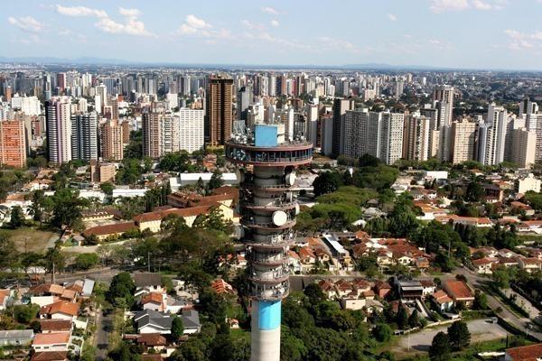 A Torre Panorâmica de Curitiba vista de cima