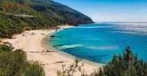 Melhores praias de Lisboa: A Praia de Galapinhos, eleita a melhor praia da Europa em 2017
