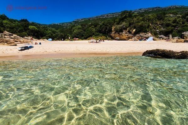 A Praia dos Coelhos com seu mar cor de gelatina