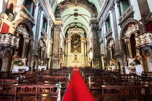 O interior da Igreja de Nossa Senhora da Lapa