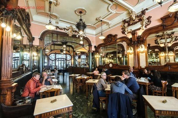 O interior do Café Majestic