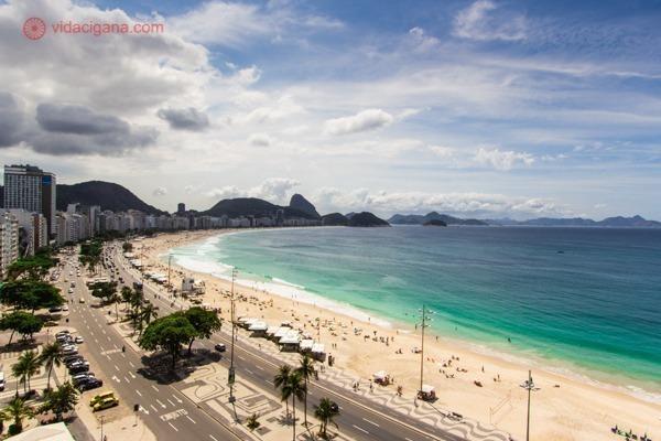 A Praia de Copacabana vista de um dos prédios da Avenida Atlântica