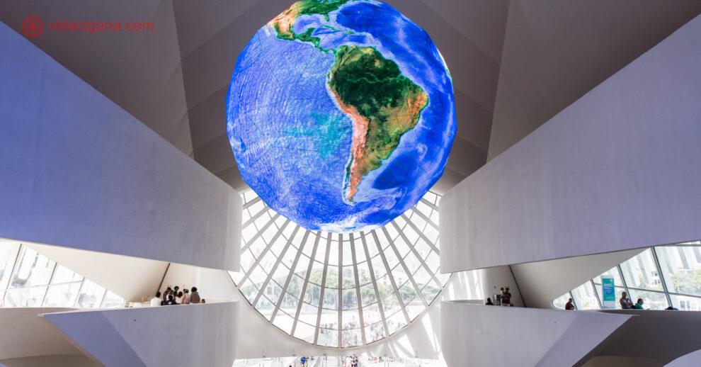Museus do Rio de Janeiro: claro que o Museu do Amanhã não poderia ficar de fora. Tanto o exterior, quanto o interior são espetaculares.