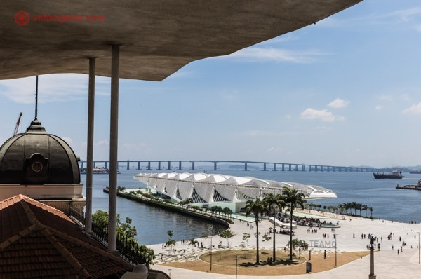 Um dos melhores museus no Rio de Janeiro, o MAR fica de frente para o Museu do Amanhã