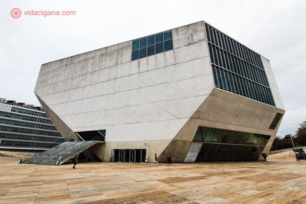 A Casa da Música, maior atração do bairro de Boavista.