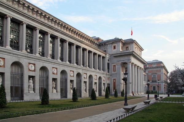 A fachada do Museu do Prado, com suas enormes colunas