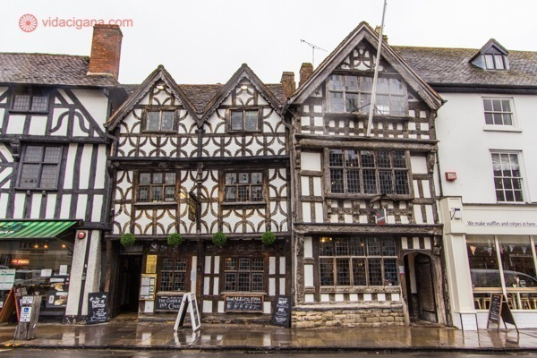 Os prédios em estilo Tudor em Stratford-upon-Avon